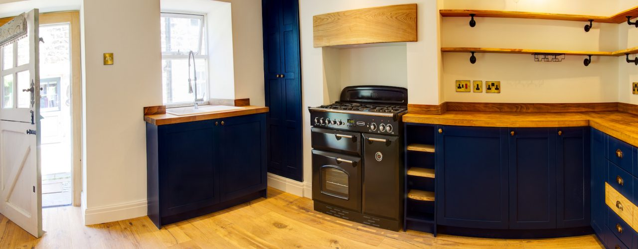 Hand made Kitchen by TF Building and renovations